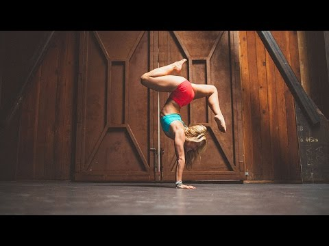 Ashtanga Yoga 30 Minute Free Class, Sun Salutations, Standing Poses & First Few of Second Series